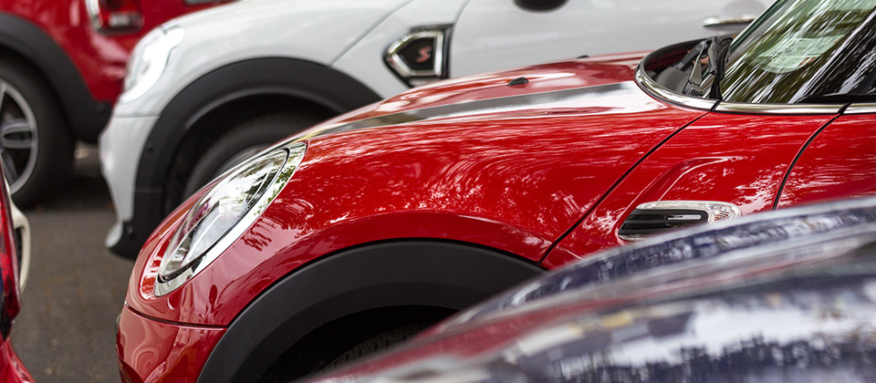 「くるまにお金をかけたくない」層をターゲットに年間契約300台以上の地域一番店を目指す軽中古車リース専門店