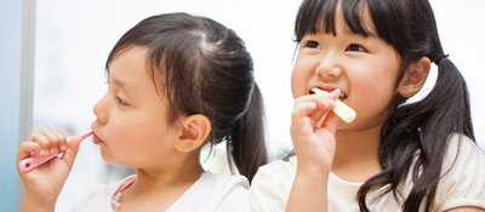予防先行型の治療体形であり、多くの親御さんから支持されている矯正モデル。